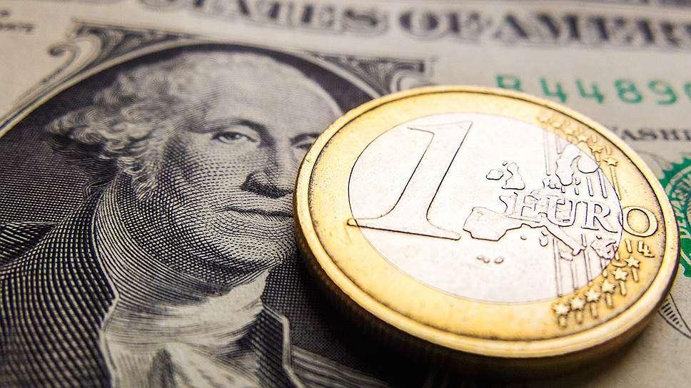 Курсы валют на 8 октября: курс доллара – 2.158, курс евро – 2.4798, 100 российских рублей – 3.2222