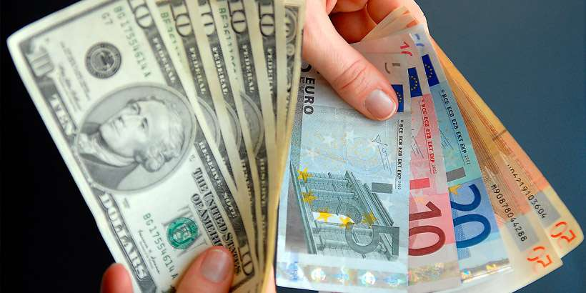 Курсы валют на 14 января: курс доллара – 2.5721, курс евро – 3.1261, 100 российских рублей – 3.4916