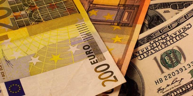 Курсы валют на 12 февраля: курс доллара – 1.9959, курс евро – 2.4499, 100 российских рублей – 3.4423